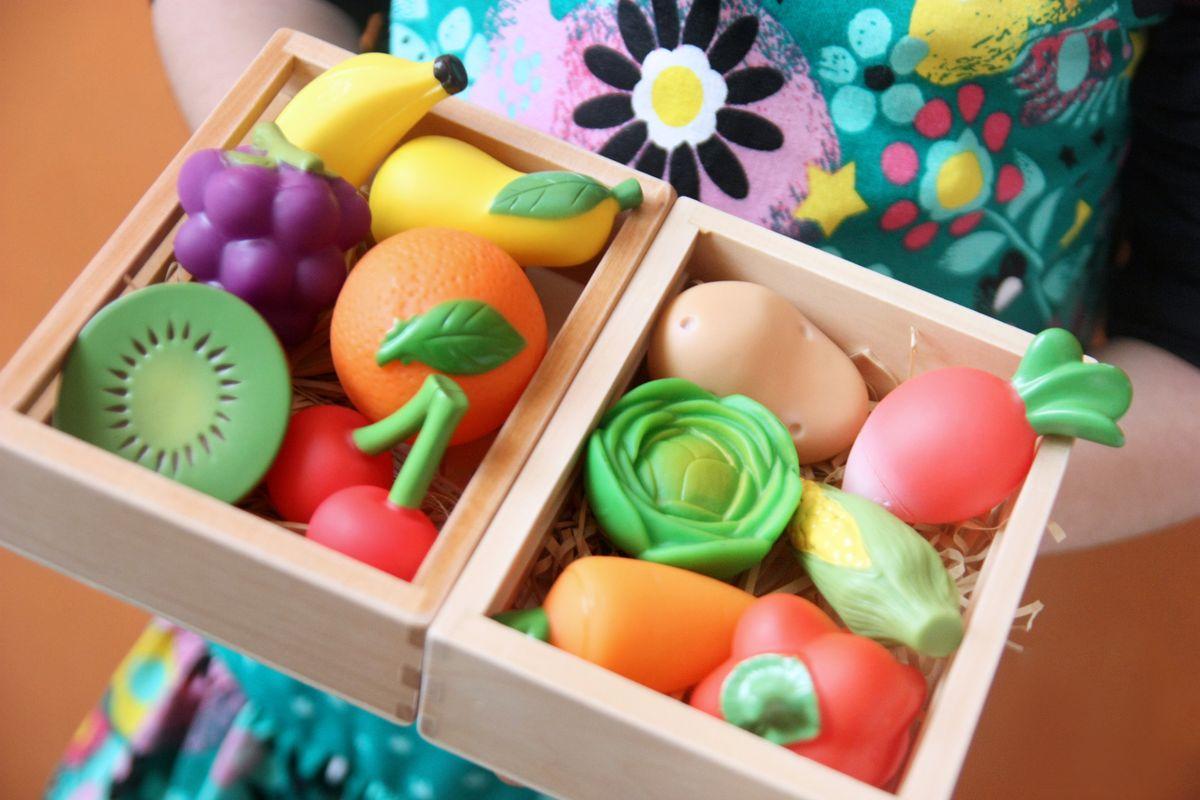 Cajas de frutas de juguete