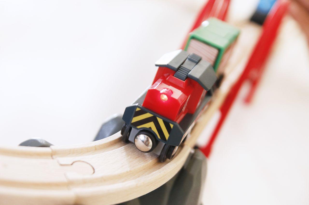 Locomotora a pilas de Brio