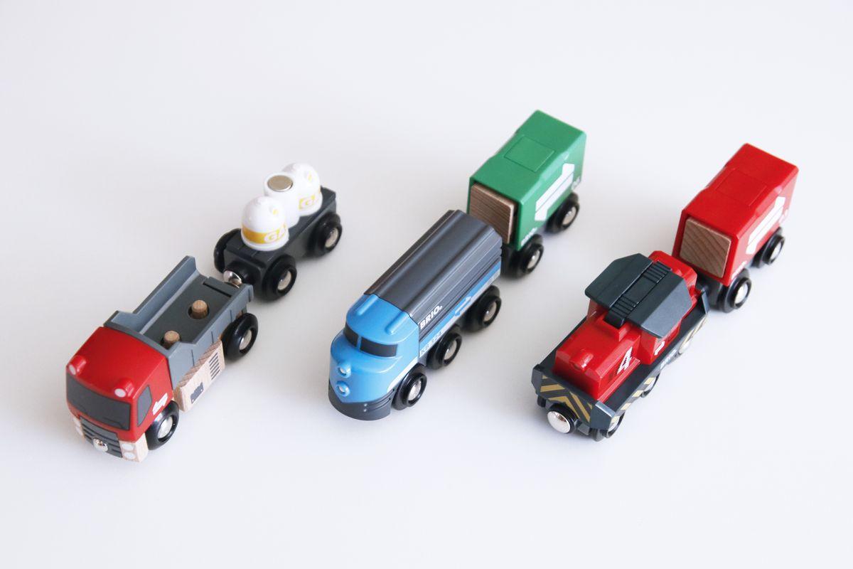 Trenes y camiones del circuito de trenes