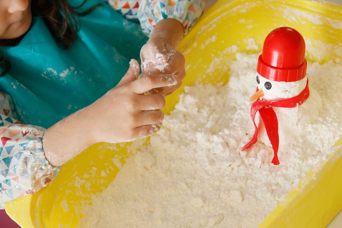 Hazme un muñeco de nieve artificial casera