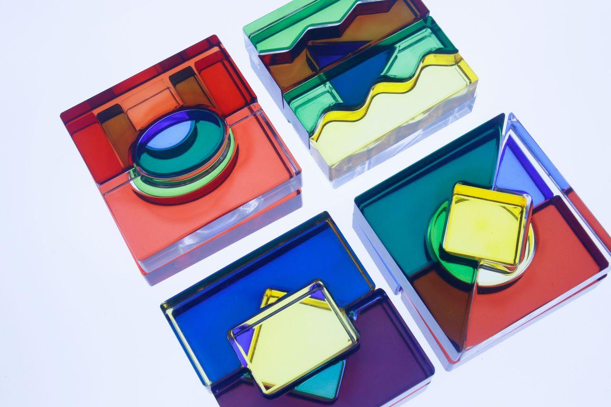 mezcla de colores con los bloques translúcidos