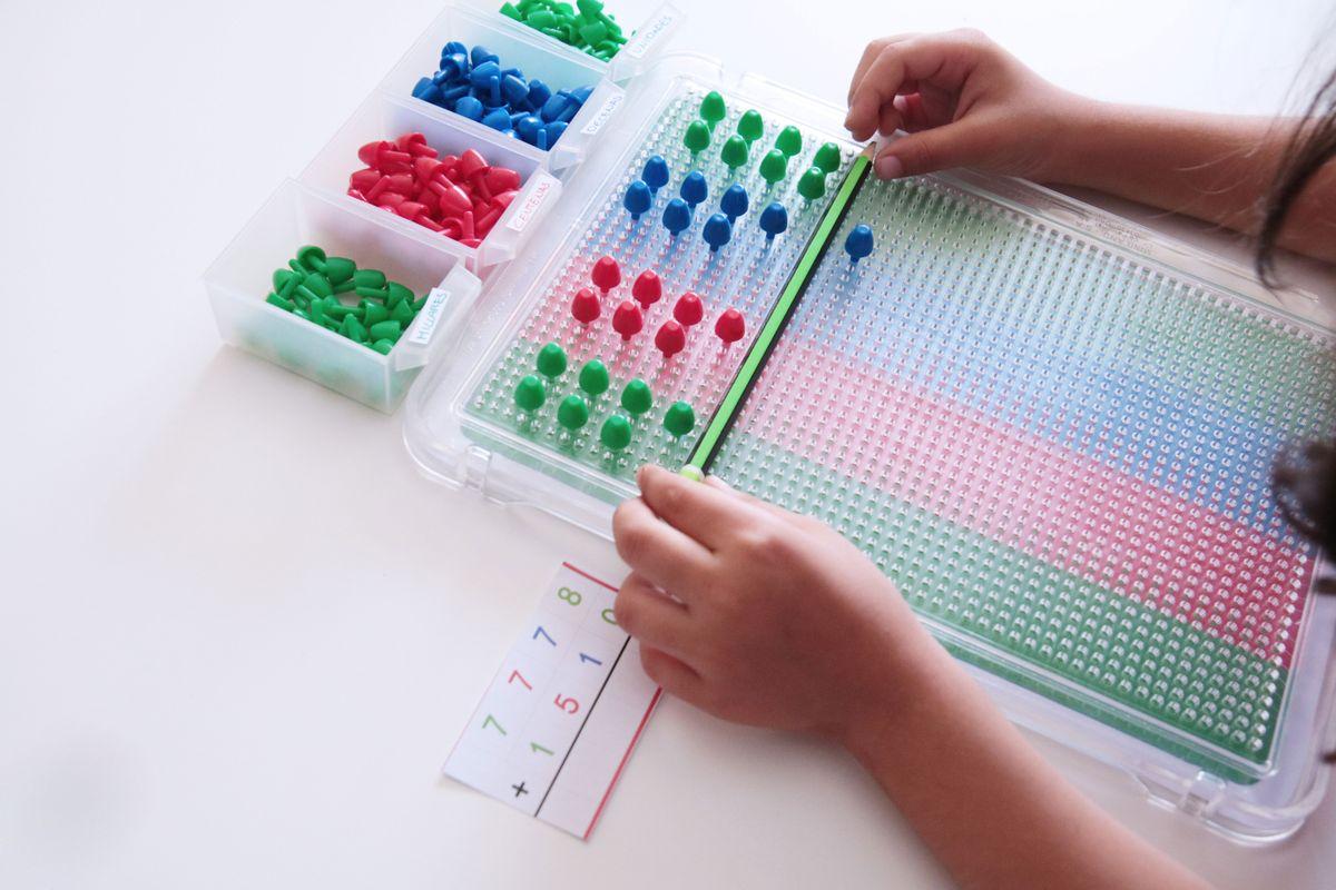Juego de las estampillas Montessori DIY