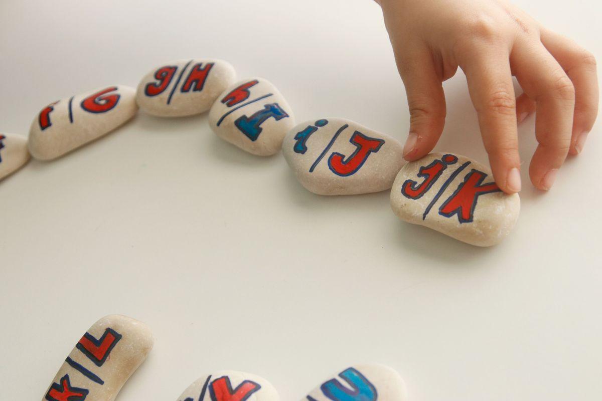 domino-para-emparejar-mayusculas-y-minusculas