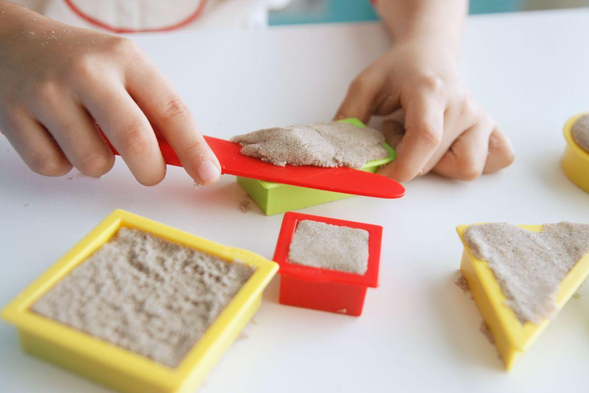 Figuras geométricas con arena Kinetic Sand