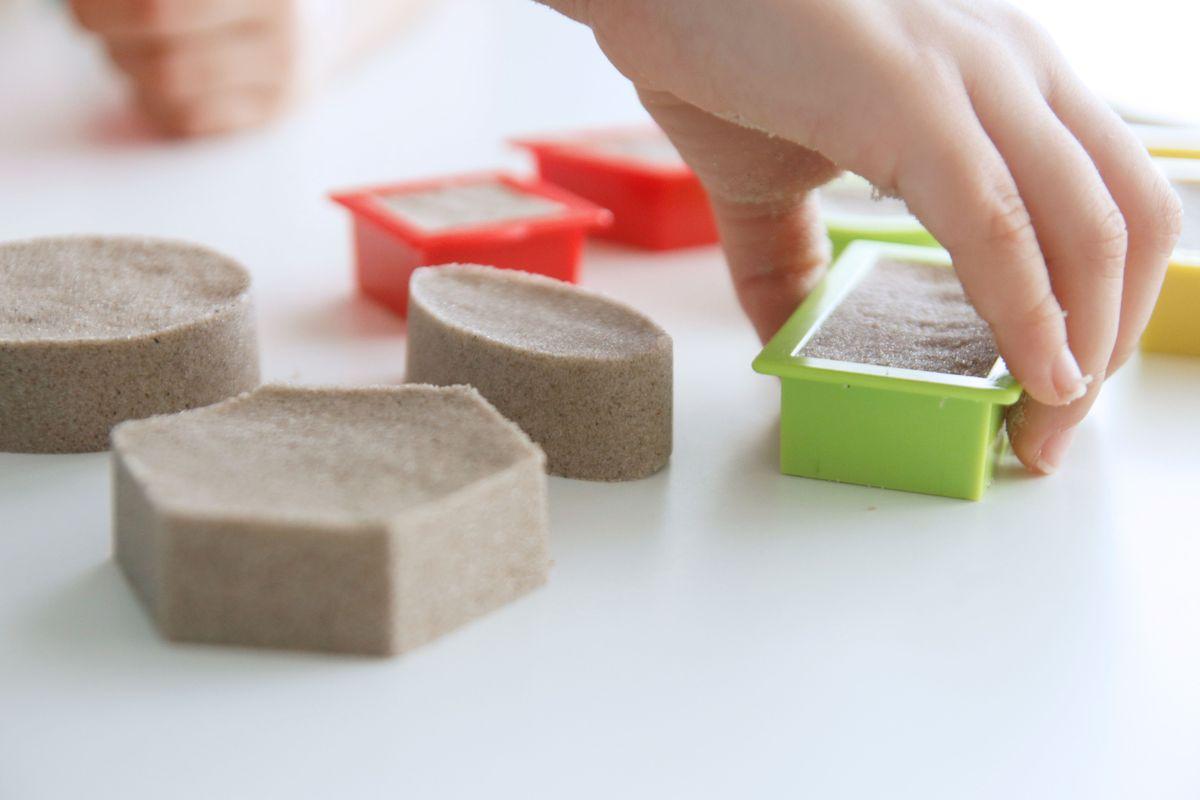 figuras-geometricas-con-kinetic-sand