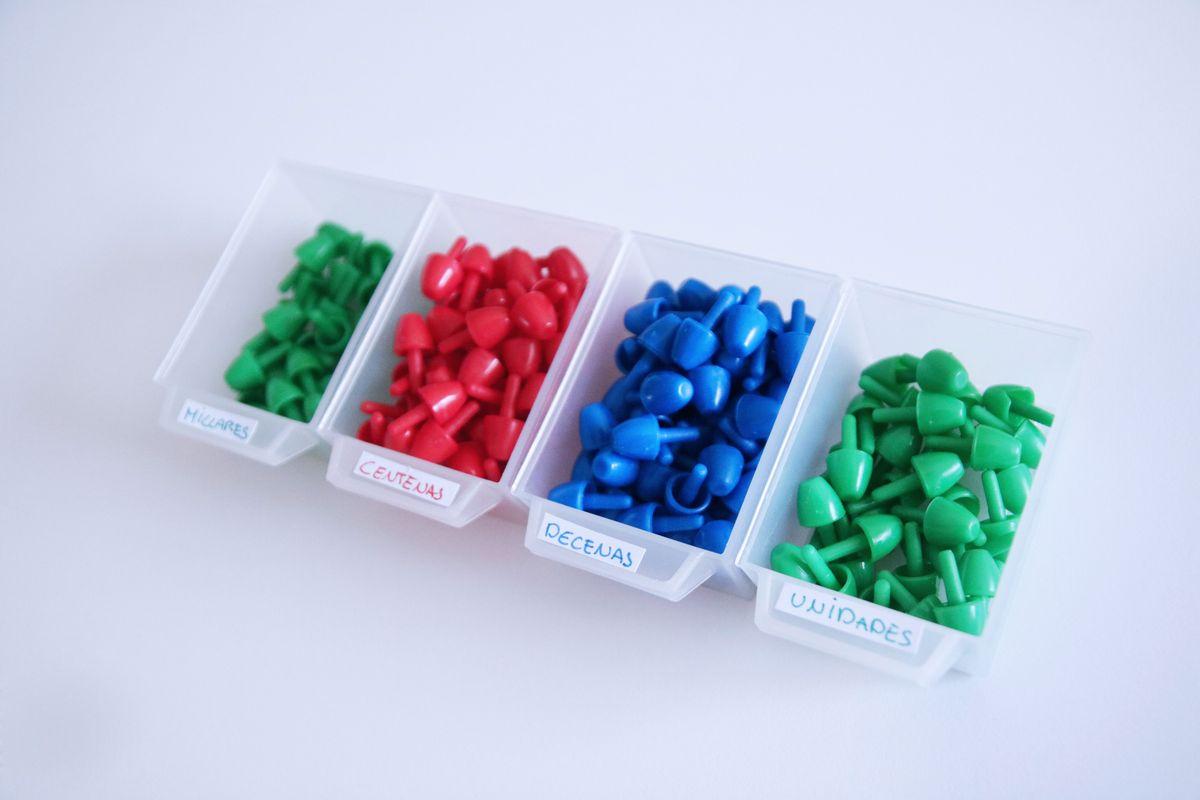 Pinchitos para el juego de las estampillas Montessori