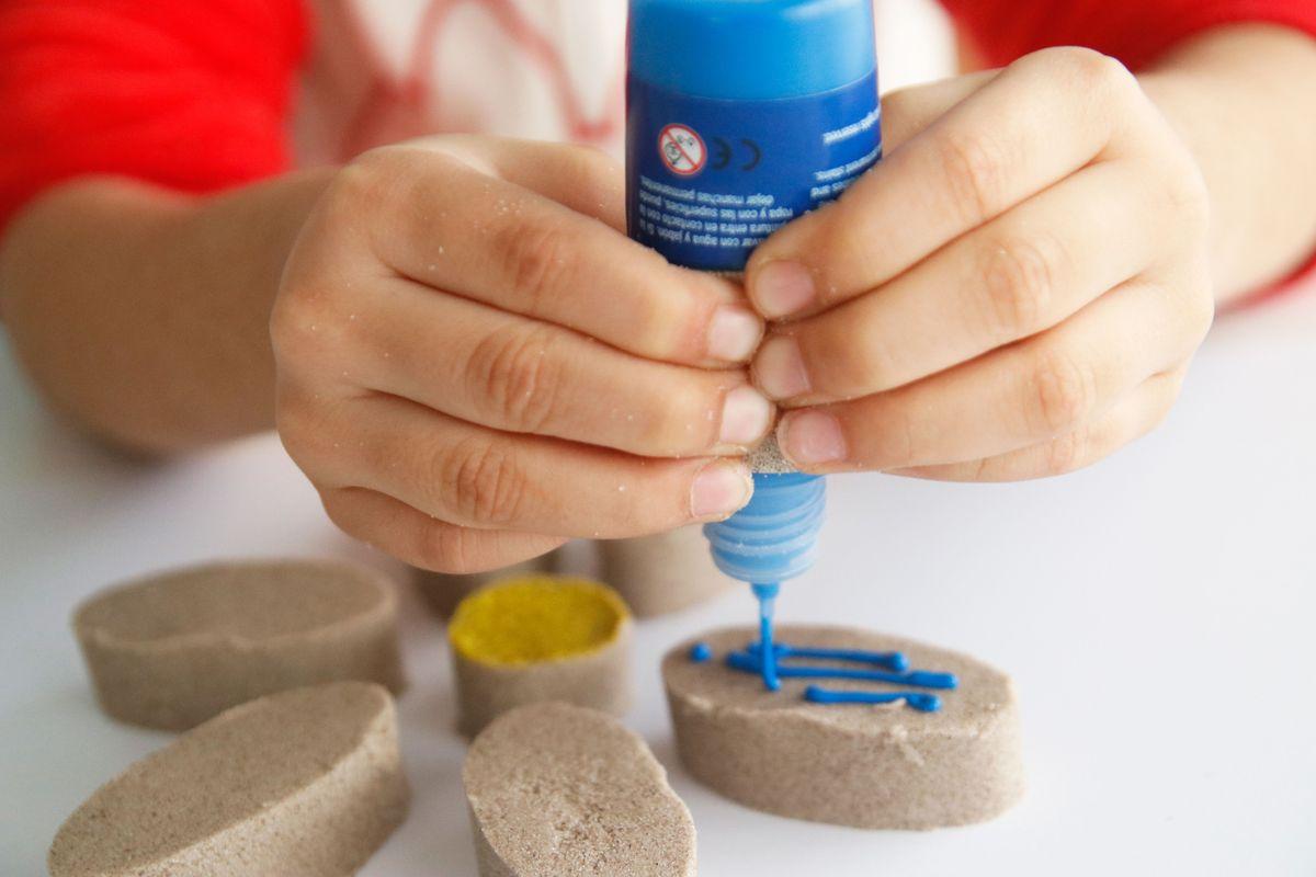 pintando arena cinética