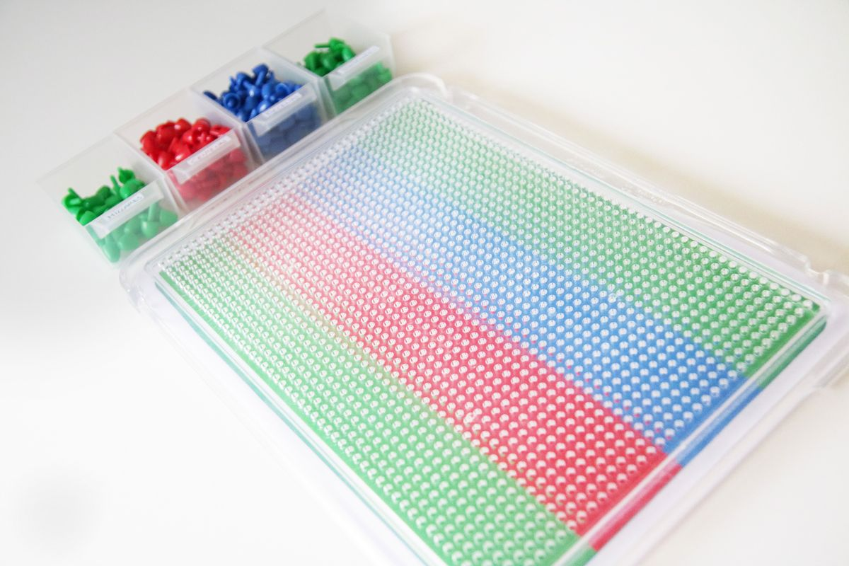 Tablero del juego de las estampillas Montessori DIY