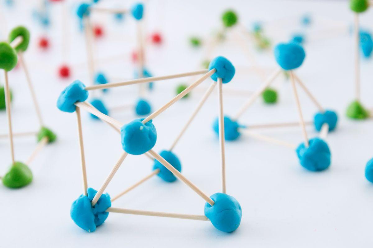 Construir un dodecaedro con palillos