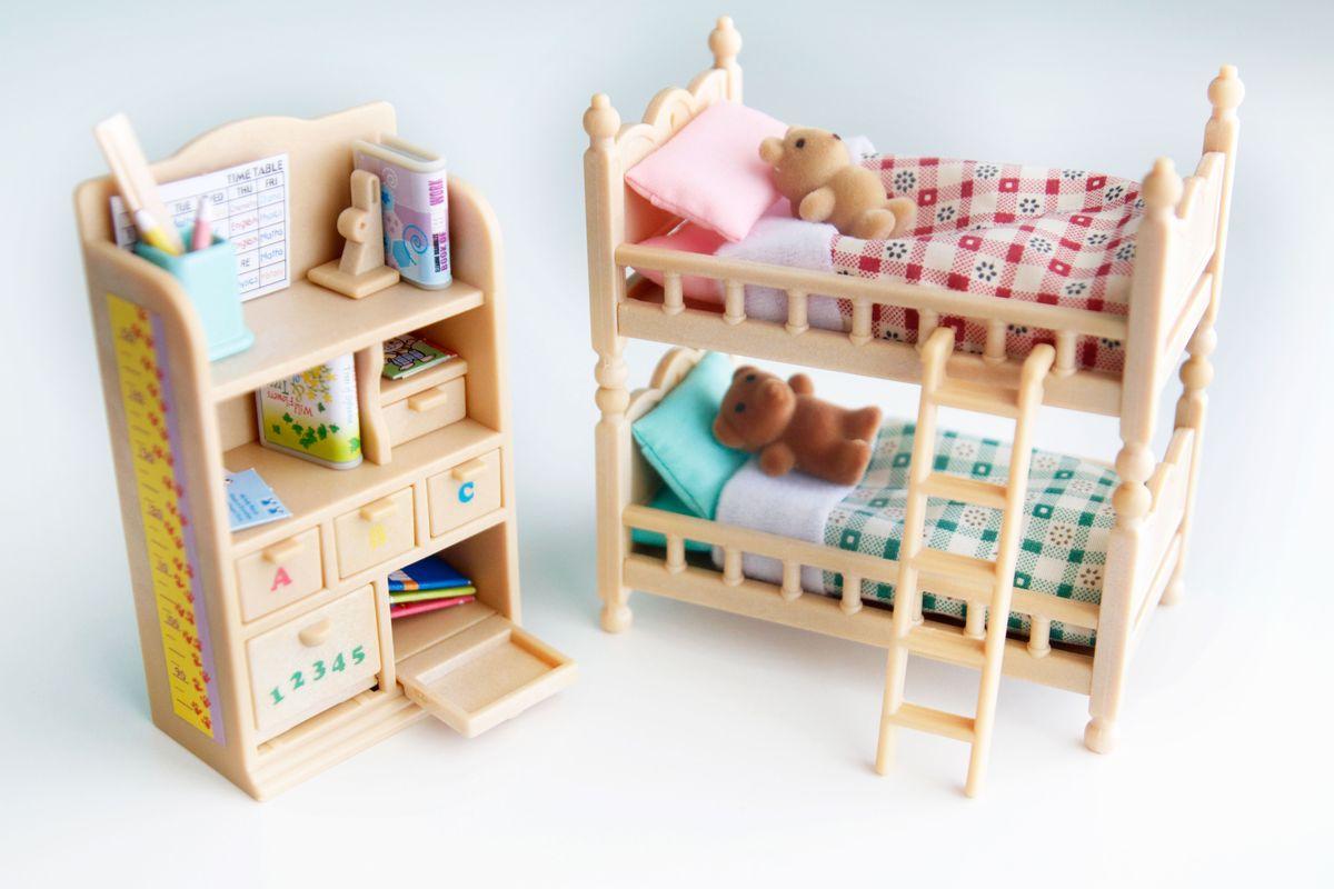 habitación infantil con litera sylvanian