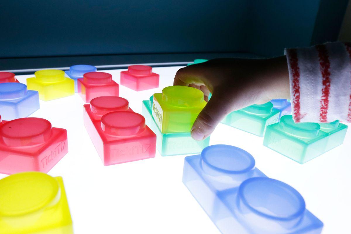 Bloques de silicona Tickit - Montando piezas