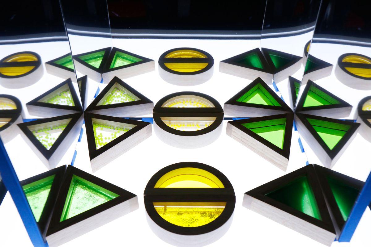 bloques-sensoriales-en-el-espejo-simetria