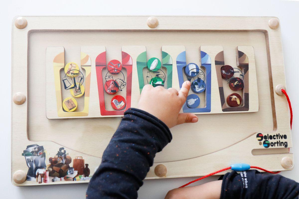juego-de-reciclaje-colores