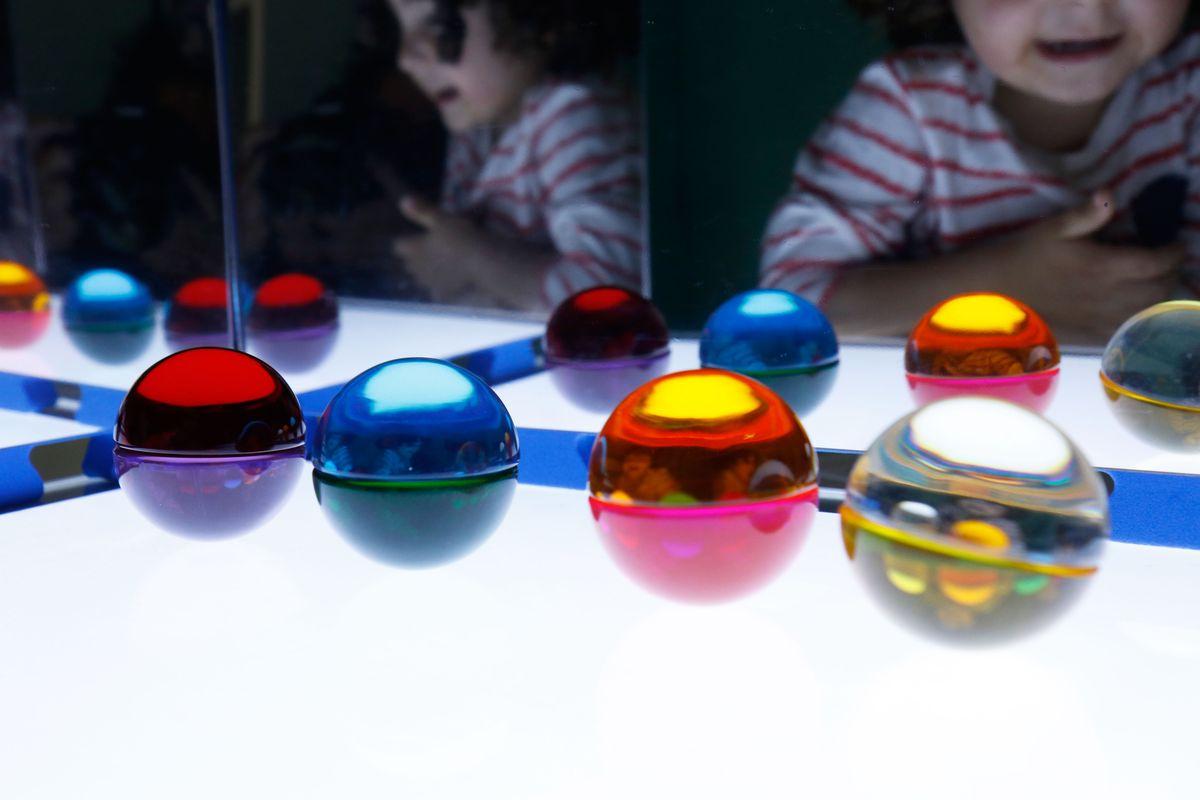 semiesferas-de-silicona-en-el-espejo