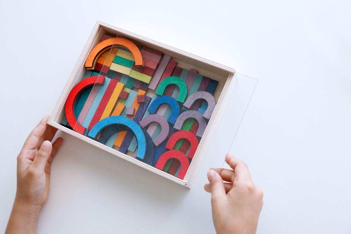 caja-de-formas-para-hacer-letras-de-grimms