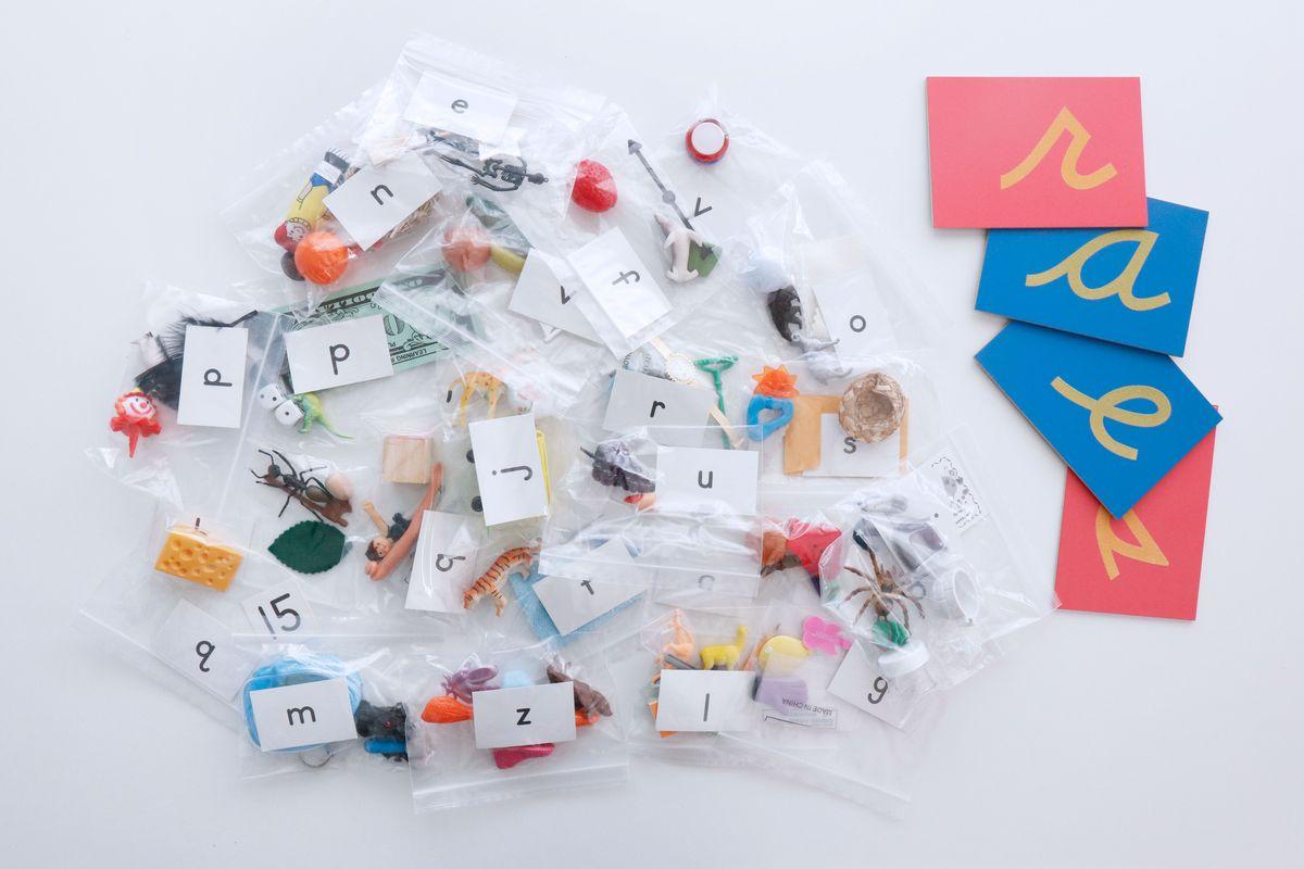caja-sonidos-primary-concepts-y-letras-de-lija