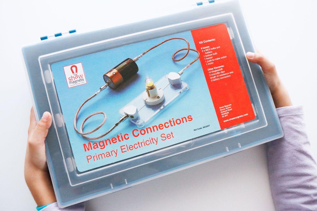 Aprendiendo Electricidad Con El Circuito De Conexiones Magnéticas Mumuchu