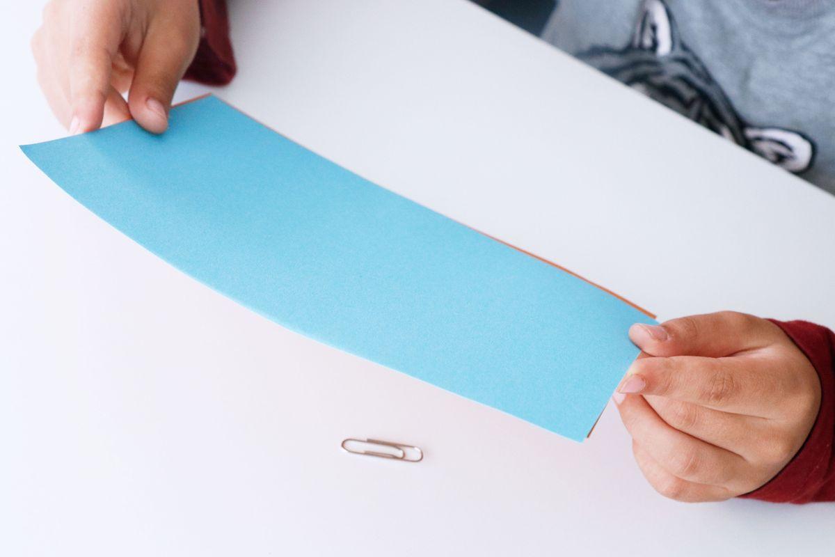 experimento-con-iman-hoja-de-papel2