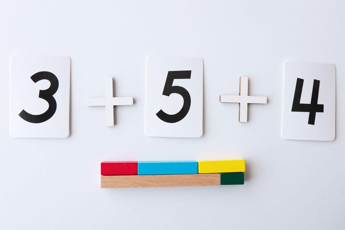 suma-de-3-sumandos-con-regletas2