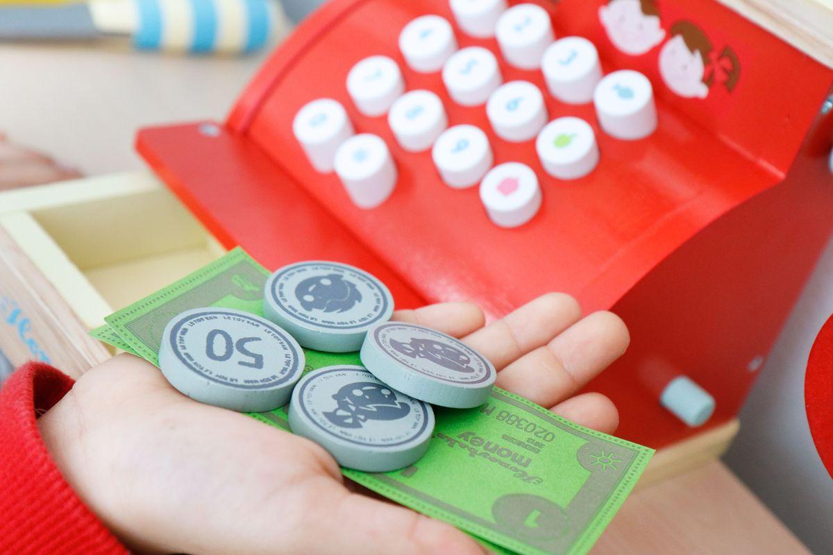 dinero-de-juguete