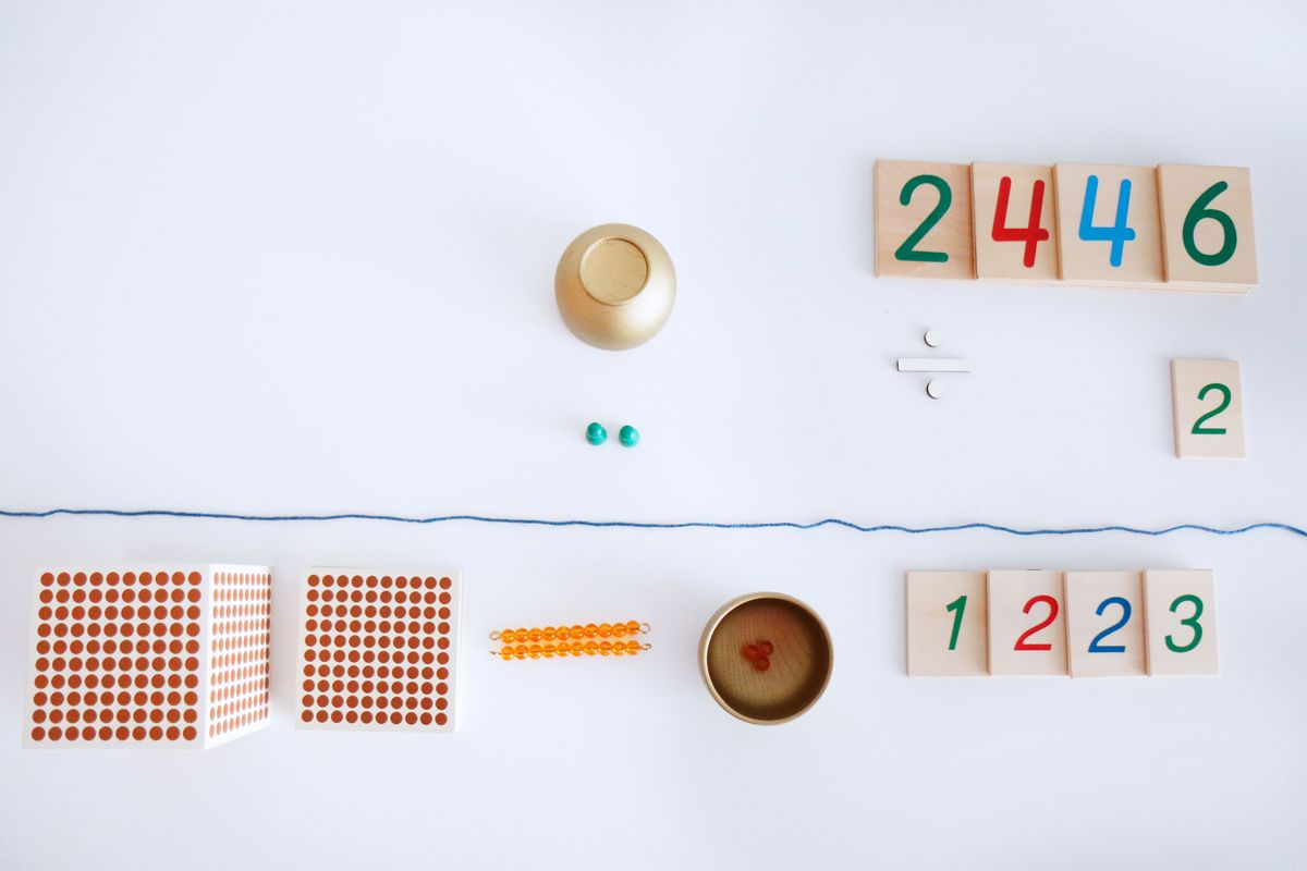 division-montessori-con-perlas-9