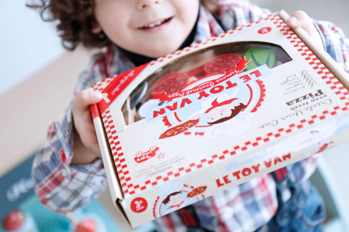 pizza-para-llevar-de-juguete