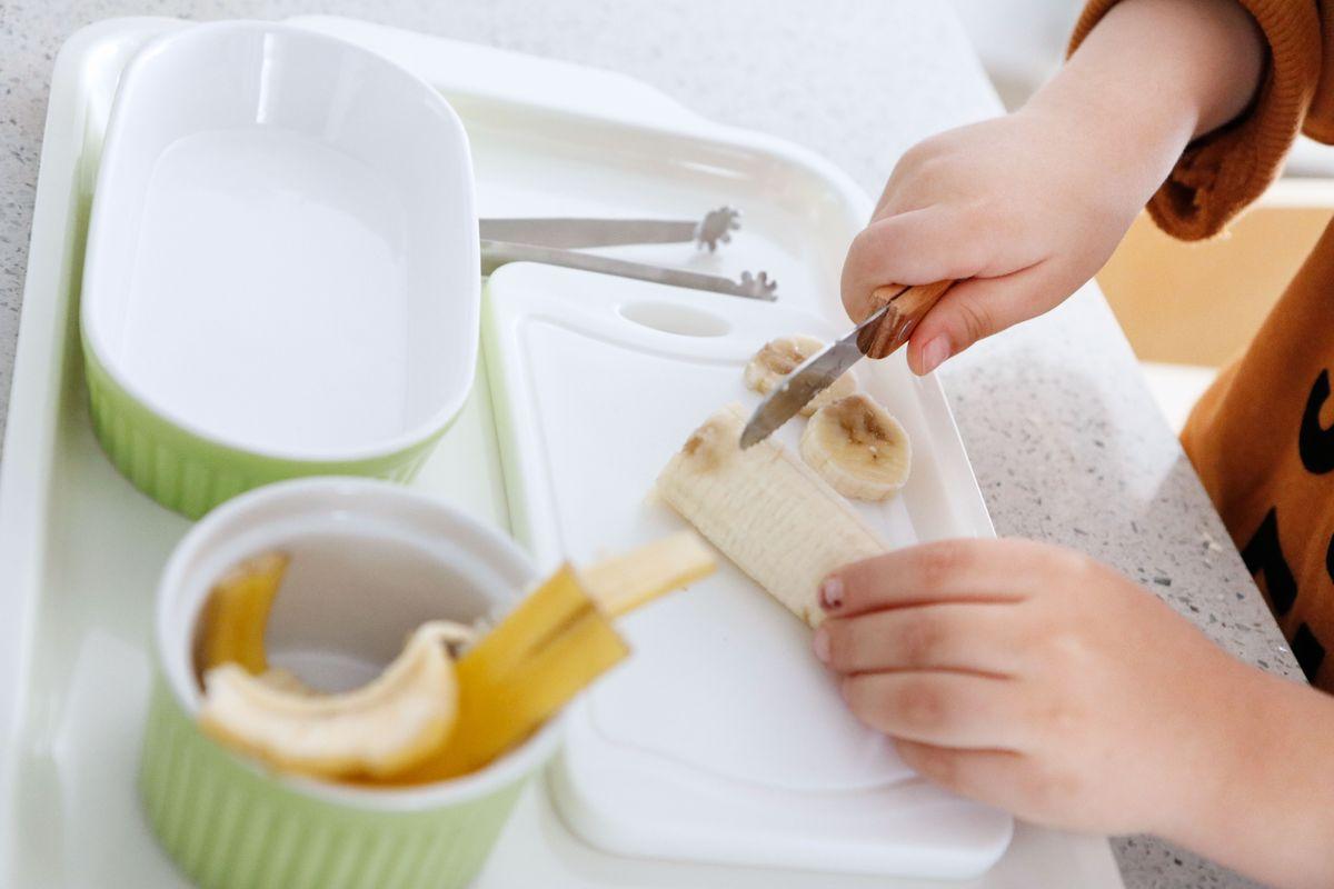 bandeja-vida-practica-montessori-cocina-12