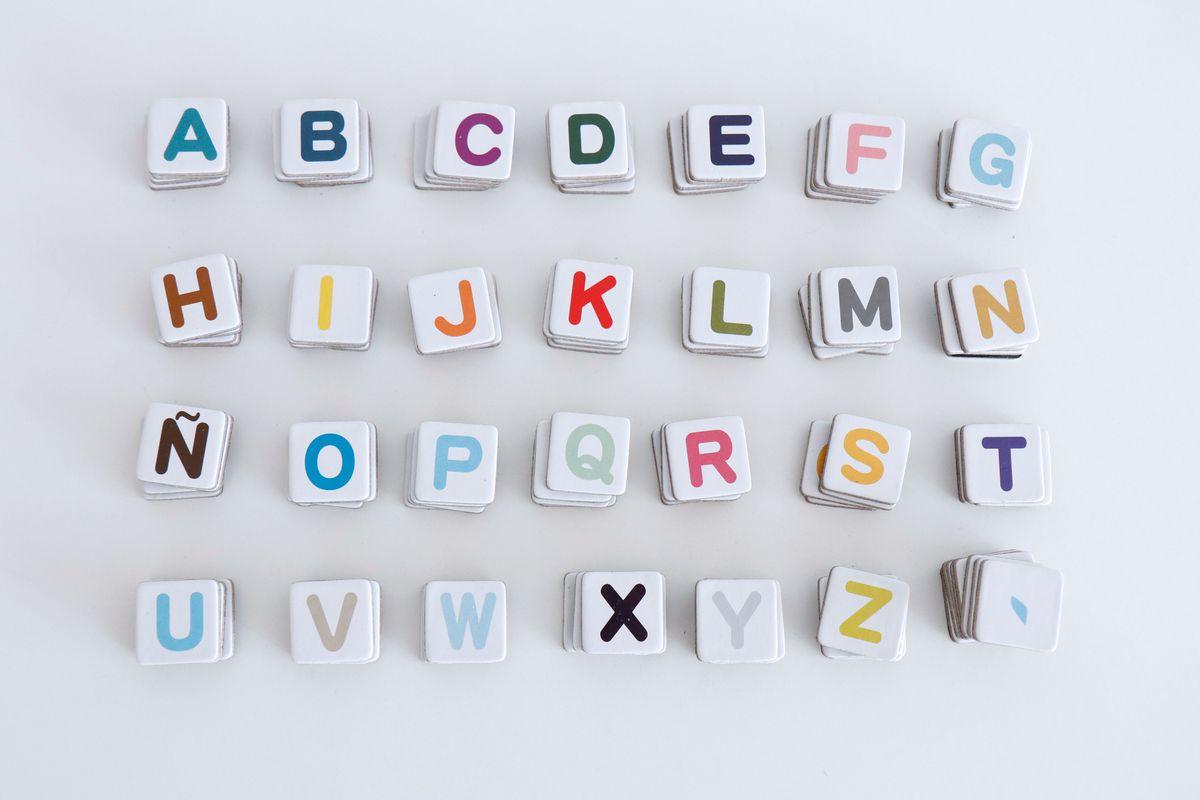 maletin-de-letras-janodi-03