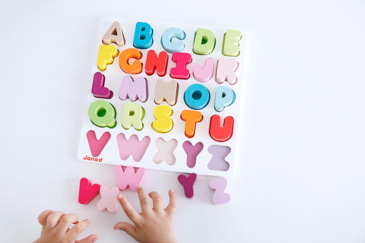 puzle-abecedario-janod-03