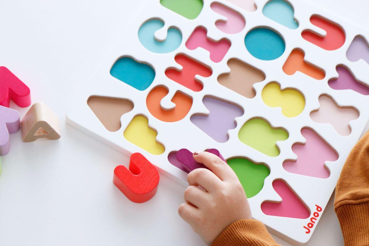 puzle-abecedario-janod-08