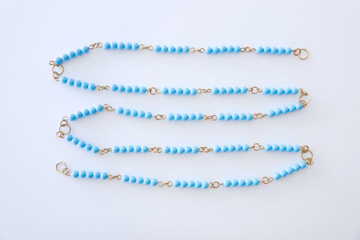 cadena-larga-de-perlas-montessori_02