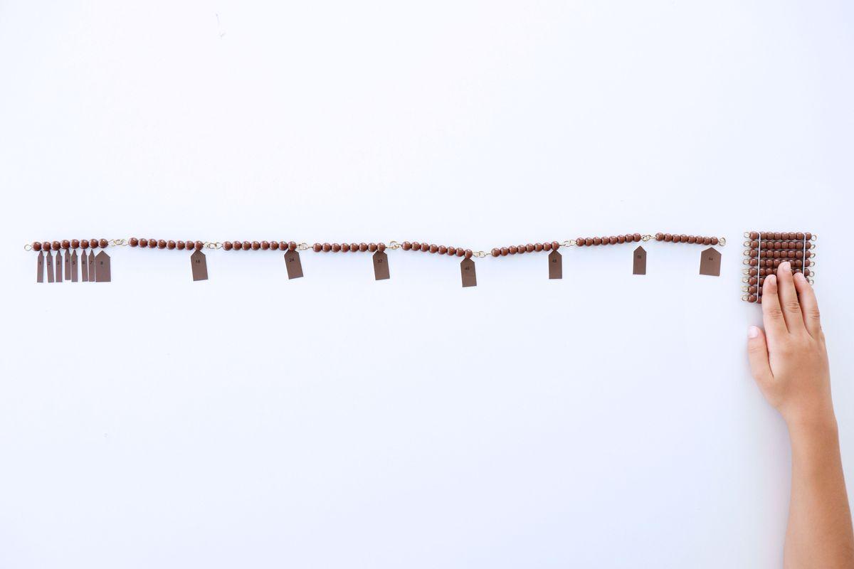 cadena-larga-de-perlas-montessori_06