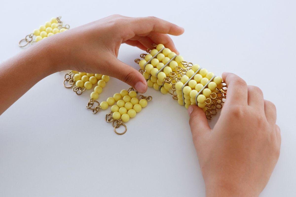 cadena-larga-de-perlas-montessori_12