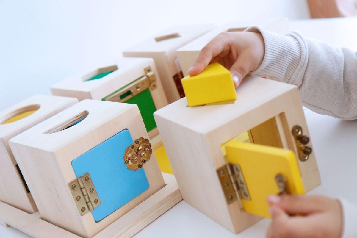 cajas-de-cerraduras-montessori-0007