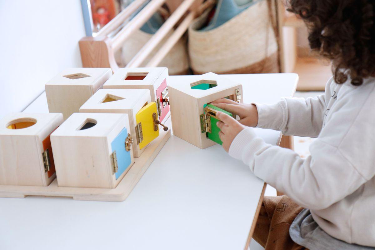 cajas-de-cerraduras-montessori-0021