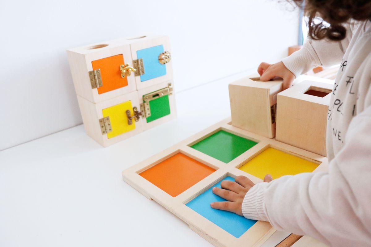 cajas-de-cerraduras-montessori-0029