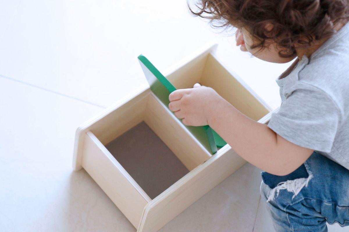 caja-de-permanencia-tapa-abatible-montessori-0-a-3-17