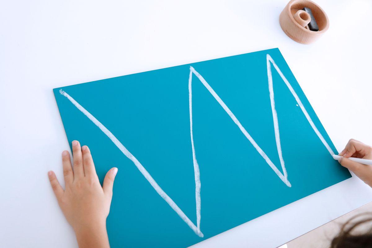 grafomotricidad-en-las-pizarras-montessori-11