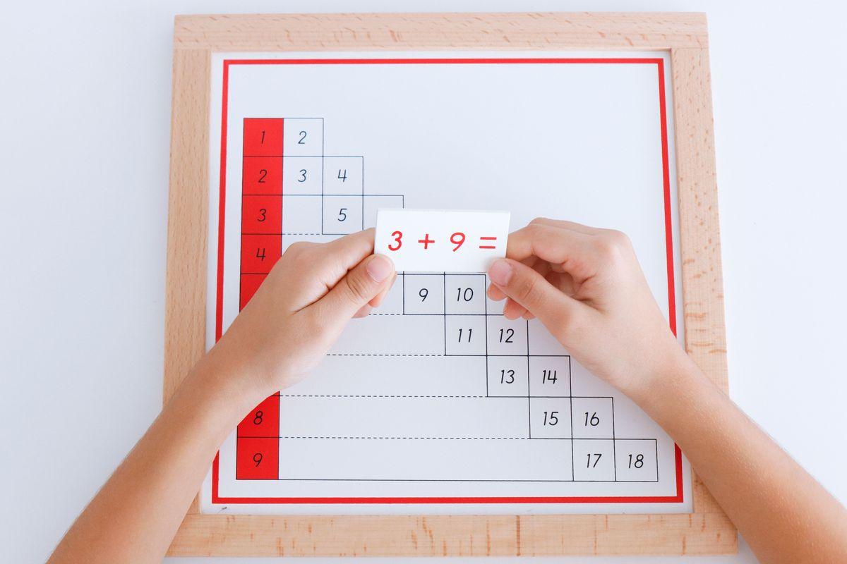 tabla-de-dedos-de-la-suma-montessori-y-tabla-de-control-13