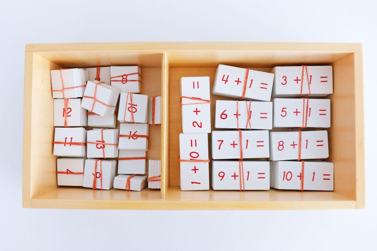 tabla-de-dedos-de-la-suma-montessori-y-tabla-de-control-70
