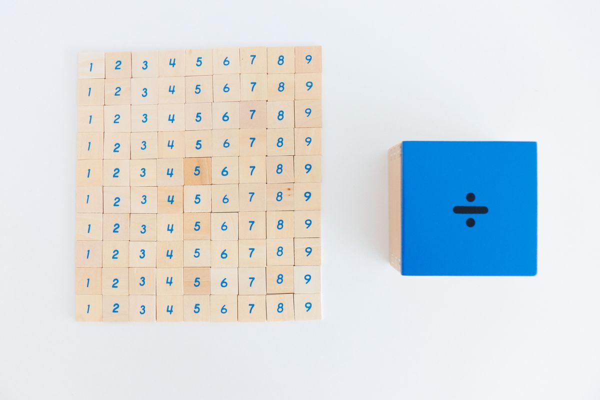 tabla-de-dedos-de-la-division-montessori-y-tabla-de-control-28