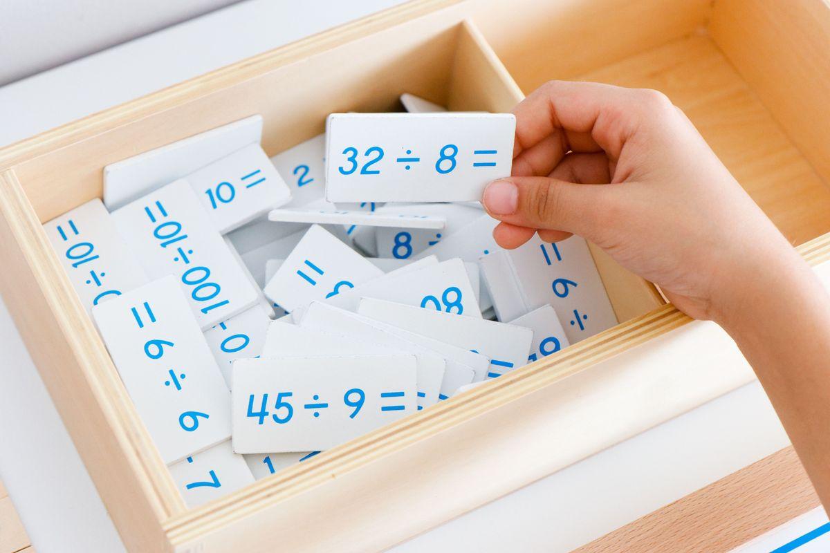 tabla-de-dedos-de-la-division-montessori-y-tabla-de-control-34
