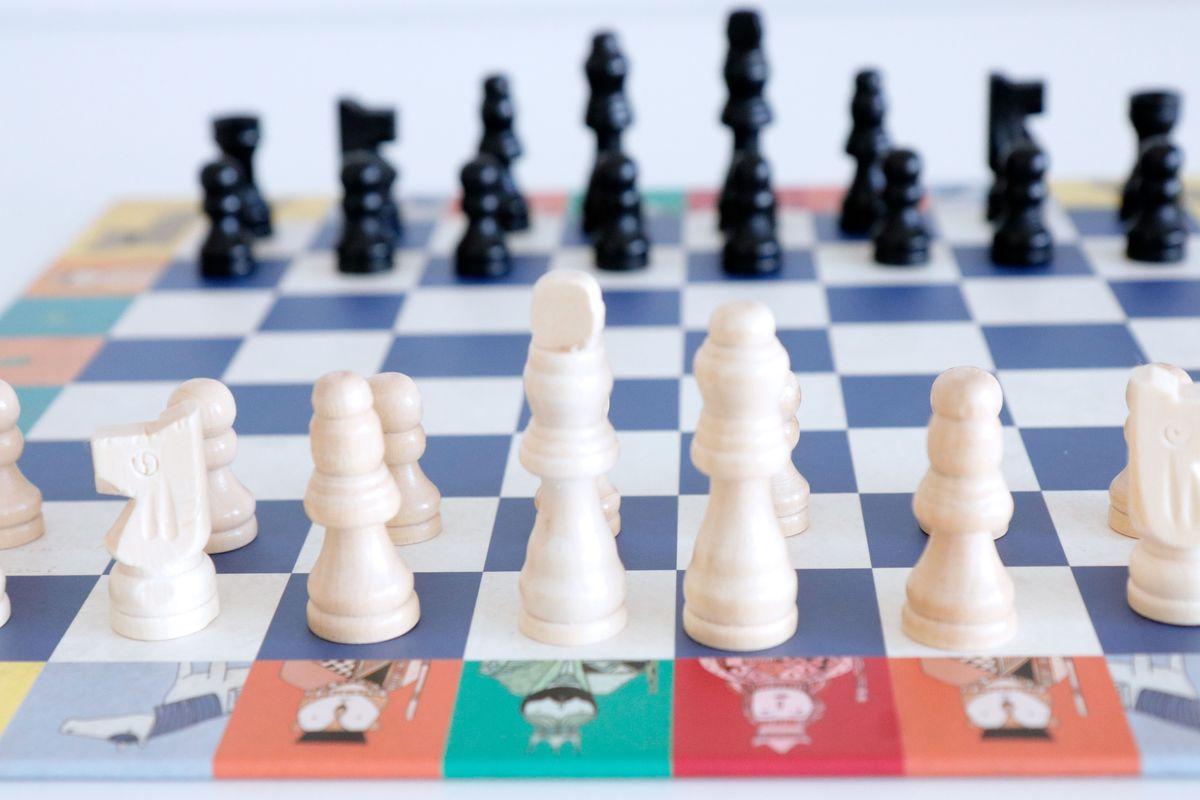 20-juegos-clasicos-de-mesa-djeco-29