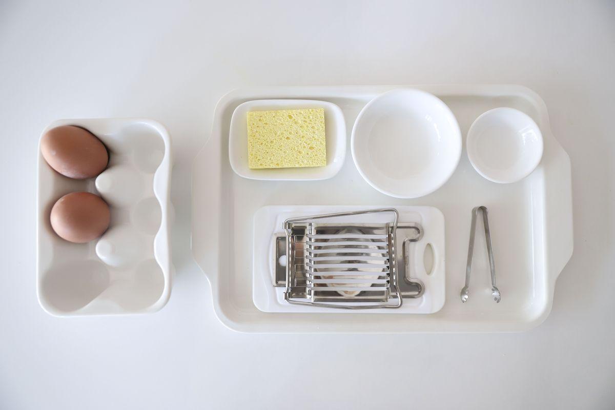 cortar-huevos-montessori-10
