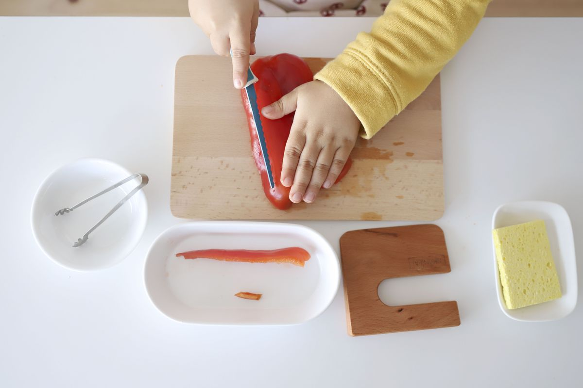 cuchillo-de-madera-montessori-14