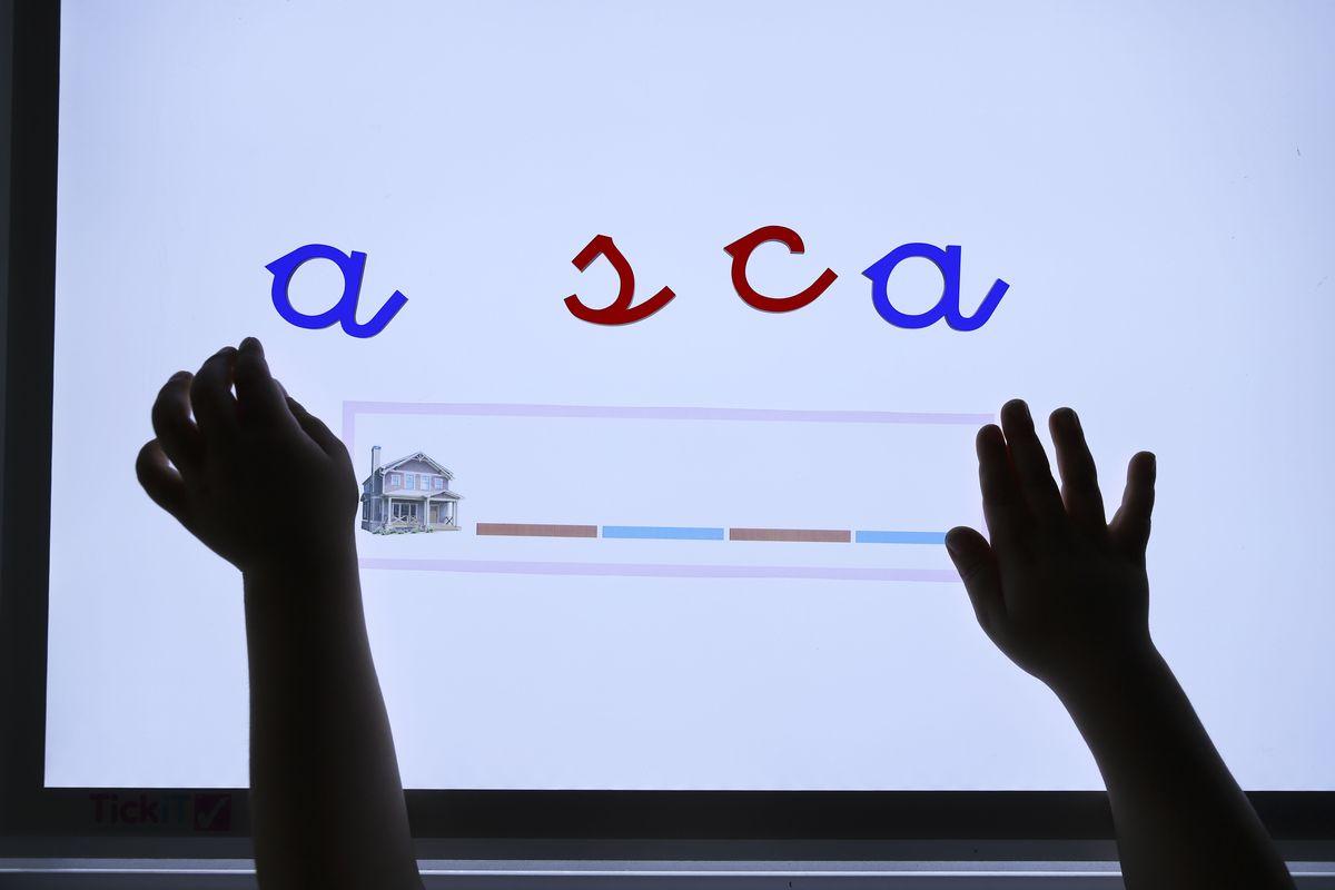 abecedario-movil-translucido-2