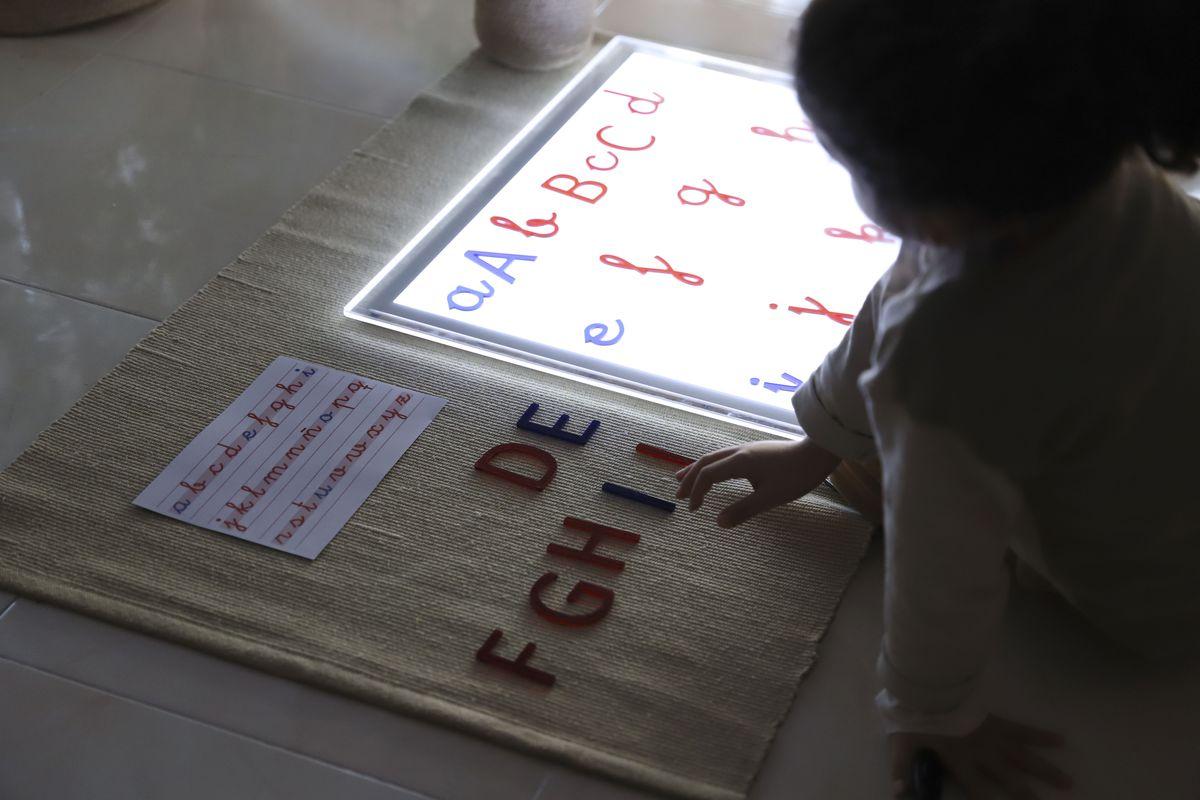 alfabeto-movil-translucido-3