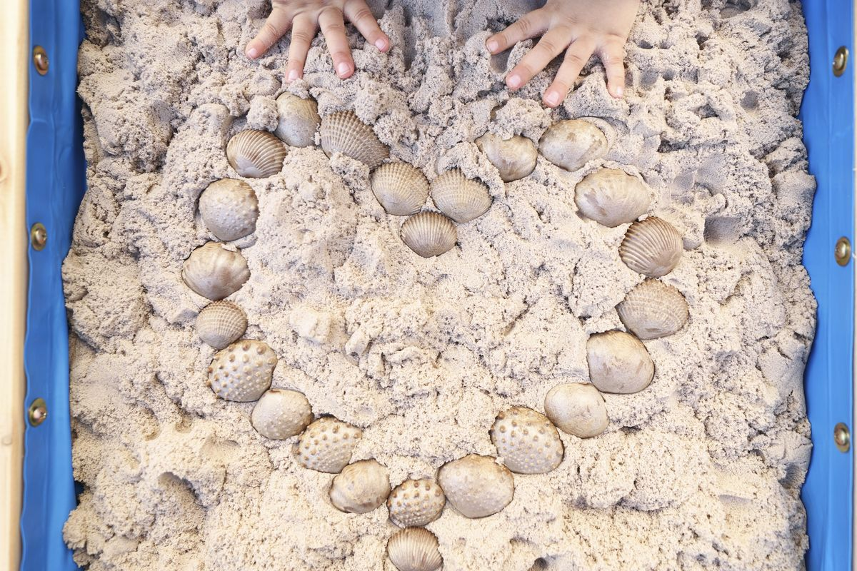 mesa-de-agua-y-arena-plum-27