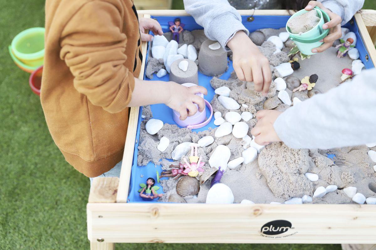 mesa-de-agua-y-arena-plum-33